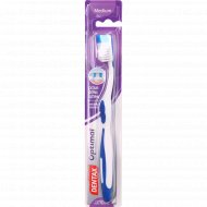 Зубная щетка «Dentax» средней жесткости.