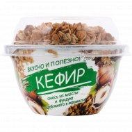 Кефир «Бабушкина крынка» мюсли, фундук и карамель, 3.2%, 150 г.