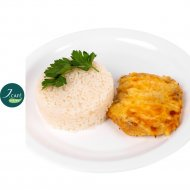 Куриное филе запеченое под сыром с рисом «J.Cafe Bistro» 80/170 г.