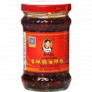 Острый соус «Lao Gan Ma» с хрустящим перцем чили, 210 г.
