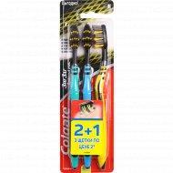 Зубная щетка «Colgate» ЗигЗаг, Древесный уголь, 2+1.
