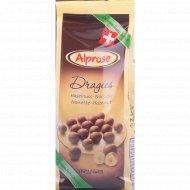 Шоколадное драже «Chocolat Alprose» с цельным лесным орехом, 125 г.