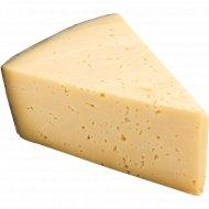 Сыр «Гройцер» молодой, 50%, 1 кг., фасовка 0.3-0.4 кг