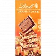 Шоколад темный «Lindt» с карамелью и морской солью, 150 г