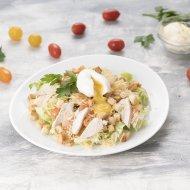 Салат «Цезарь» с курицей и яйцом пашот, 1/800/100 .