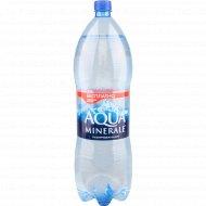 Вода питьевая «Аква Минерале» газированная, 2 л.
