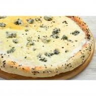 Пицца «4 сыра» на толстом тесте, 1/600  г.