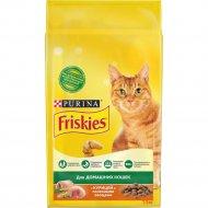 Корм для кошек «Friskies» курица и садовая зелень, 1.5 кг.