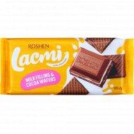 Шоколад молочный «Lacmi» с молочной начинкой и вафлей, 105 г.