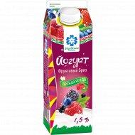 Йогурт «Фруктовый бриз» лесная ягода, 1.5%, 500 г.