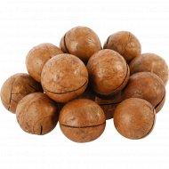 Орех макадамии в скорлупе жареный, 1 кг., фасовка 0.3-0.4 кг