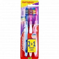 Зубная щётка «Colgate» ЗигЗаг для всей семьи, 2 + 1 шт.