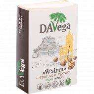 Веганский продукт «Davega» с грецким орехом, 200 г.