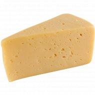 Сыр «Российский новый» 50%, 1 кг., фасовка 0.35-0.4 кг