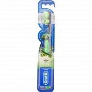 Зубная щетка «Oral B» с травяным экстрактом, 1 шт