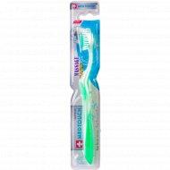 Зубная щетка «Medtouch» средней жесткости.