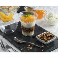 Завтрак с творогом, гранолой и персиком консервированным, 200 г .