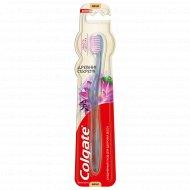 Зубная щётка «Colgate» Забота о Дёснах.