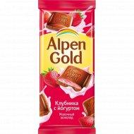 Шоколад «Alpen Gold» c клубнично-йогуртовой начинкой, 90 г.