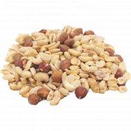 Десерт из арахиса и орехов 1 кг., фасовка 0.3-0.4 кг