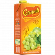 Напиток «Сочный витамин» яблочно-виноградный 1.95 л.