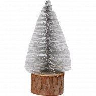 Декор елка на деревянной основе.