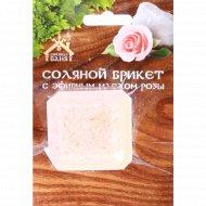 Соляной брикет «Соляная баня» мини с эфирным маслом роз, 200 г.