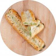 Булочка слоеная «Трубочки Роллини» с сыром и шпинатом, 90 г.