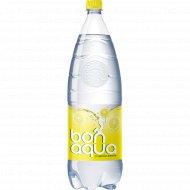 Вода питьевая газированная «Bonaqua» лимон, 2 л.