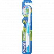 Зубная щётка «Oral-B».