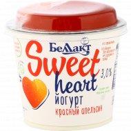 Йогурт «Беллакт» sweet heart, с наполнителем красный апельсин, 3.0%, 130 г.