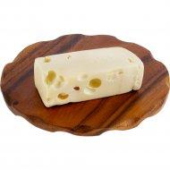 Сыр полутвердый «Маасдам» 45%, 1 кг, фасовка 0.4-0.5 кг