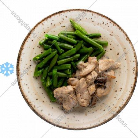 Филе куриное с грибным соусом и стручковой фасолью, 1/120/150 г.
