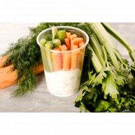 Закуска из овощей «Фитнес» с соусом, 250 г.