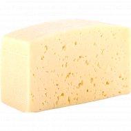 Сыр «Смачный» со вкусом топленого молока, 45%, 1 кг., фасовка 0.3-0.4 кг
