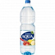 Напиток «Aqua» фруктовая с ароматом лимона и клубники, 1.5 л.