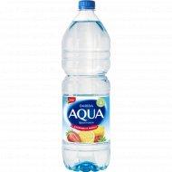 Напиток «Aqua» фруктовая с ароматом лимона и клубники 1.5 л.