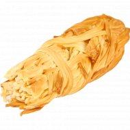 Сырный продукт «Косичка» копченый, 40%, 90 г.
