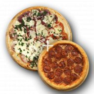 Комбо «Пицца 4 времени года» 1/450 + Пицца «Пепперони» 1/300 .