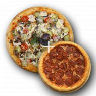 Комбо «Пицца с курицей и грибами» 1/550 + Пицца «Пепперони» 1/300 .