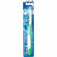 Зубная щётка «Oral-B» «Адвантаж плюс» глубокая чистка 1 шт.