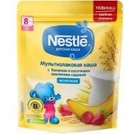Молочная мультизлаковая каша «Nestle» банан-кусочки земляники, 220 г.