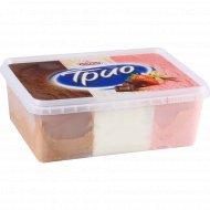 Десерт замороженный «Трио» шоколад- ваниль- клубника, 400 г.