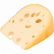 Сыр твёрдый «Мадригал» 48%, 1 кг, фасовка 0.4-0.5 кг