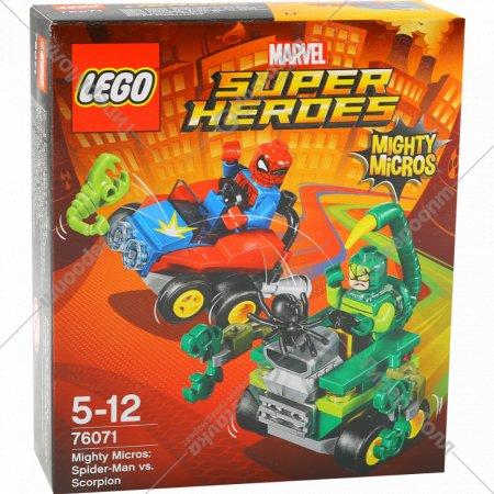 Игрушка «Человек-паук против скорпиона».