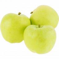 Яблоко «Голден» 1 кг, фасовка 0.9-1.1 кг