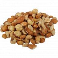 Смесь «Ореховая» соленая, 1 кг., фасовка 0.3-0.4 кг