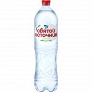 Вода питьевая «Святой источник» газированная 1.5 л.