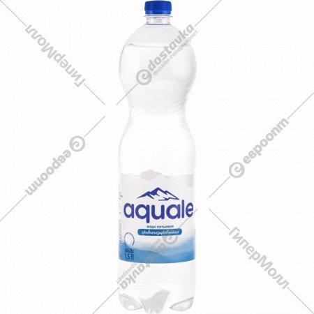Вода питьевая «Aquale» среднегазированная 1.5 л.