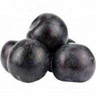 Слива черная, 1 кг., фасовка 0.3-0.5 кг